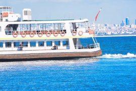 Estrecho del Bósforo Azul en Estambul